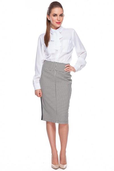 Biała-koszula-z-wiązaną-kokardą-Duet-Woman