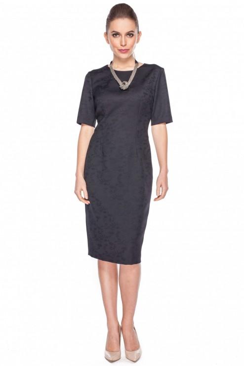 Czarna-sukienka-w-kwiatowy-wzór-Bialcon