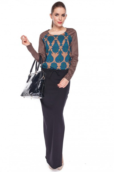 Długa-spódnica-w-kolorze-czarnym-Rabarbar