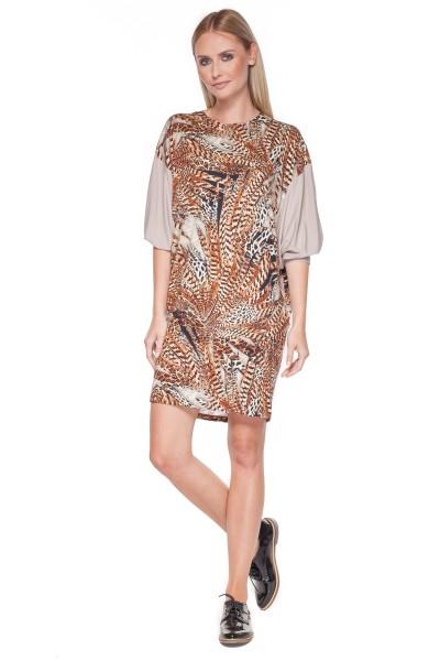 Dzianinowa-sukienka-z-łączonych-materiałów.-BIALCON