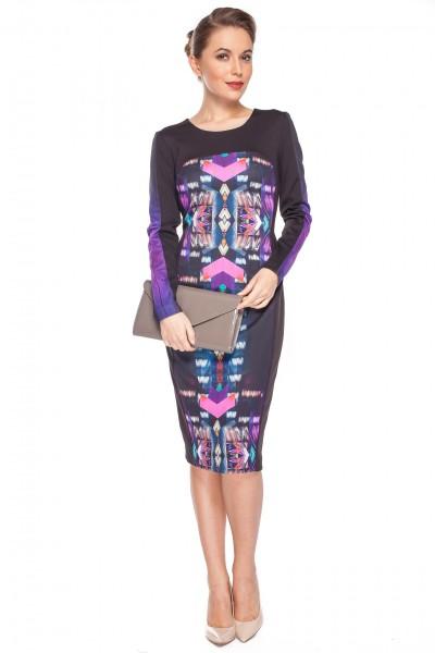 Sukienka-w-kolorowe-geometryczne-wzory-Bialcon